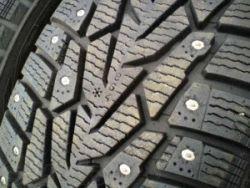 Шипованные шины бу